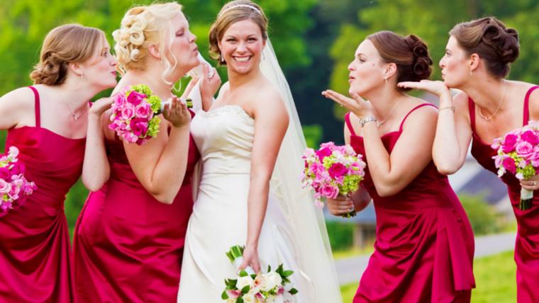Foto de madrinhas e noiva