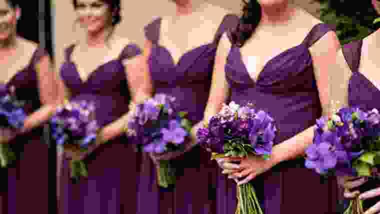 cores poderosas para vestidos de madrinhas