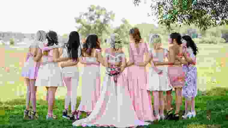 Penteados de casamento em 2019 para noivas, madrinhas e convidadas